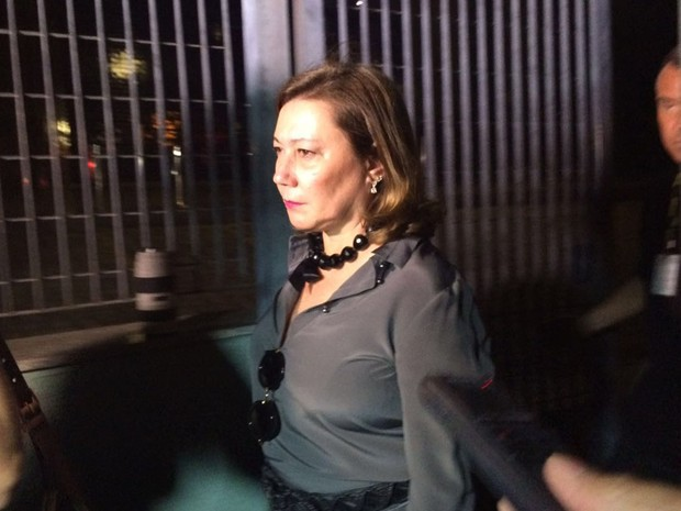 Mirian Dutra deixa a sede da PF em São Paulo (Foto: Glauco Araújo/G1)