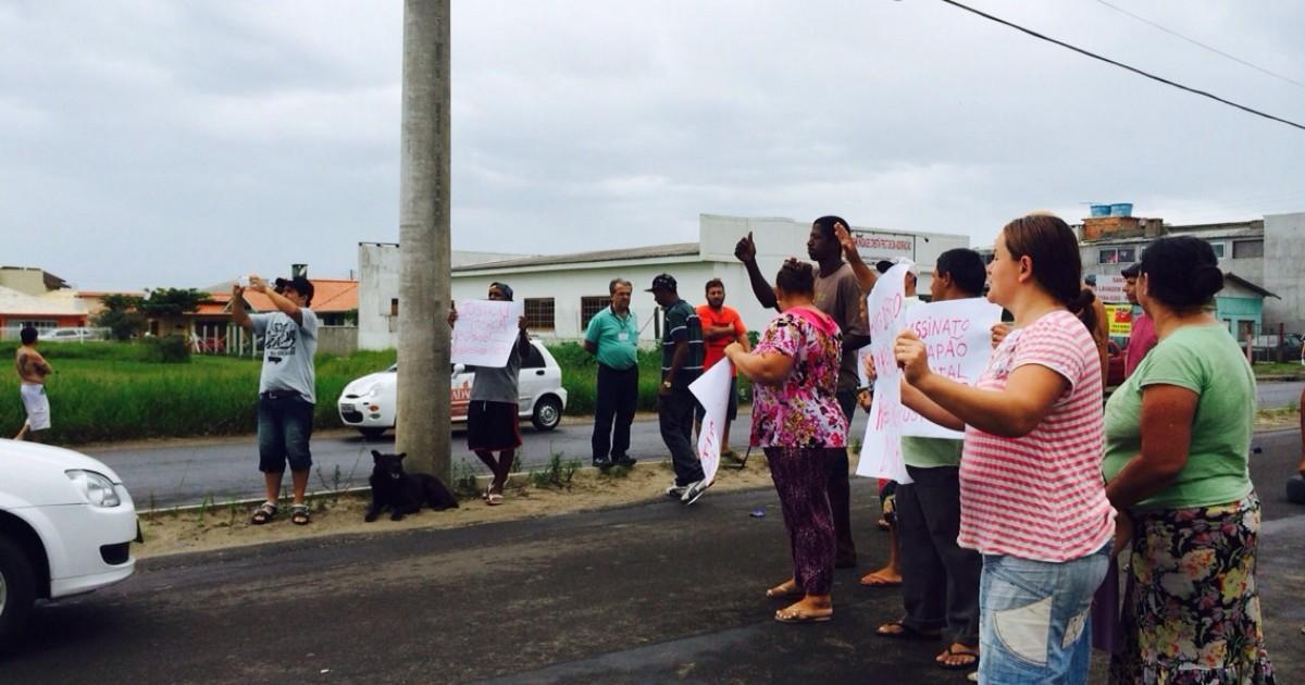Familiares de jovem morta em colisão protestam em Capão da ... - Globo.com
