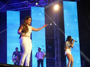 Simone e Simaria foram principal atração em noite de forró no Sambódromo (Foto: Romulo de Sousa/G1 AM)