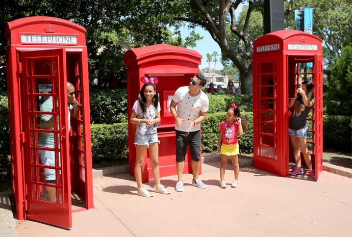 E não é que parece mesmo que eles estão em Londres? (Foto: Leonardo Viso/Gshow)