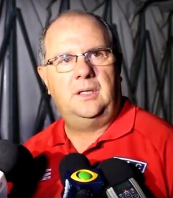 Marcelo Vilar durante coletiva em que confirmou acerto com o Moto Club (Foto: Divulgação)