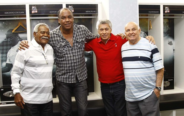 Coutinho, Chulapa, Clodoaldo e Pepe - Inauguração dos novos vestiários da Vila Belmiro (Foto: Ricardo Saibun/Divulgação Santos FC)