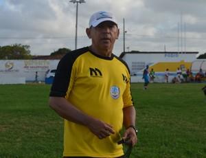 neto maradona, técnico do lucena (Foto: Lucas Barros / GloboEsporte.com/pb)