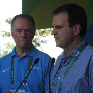 Eduardo Paes e Carlos Arthur Nuzman na cerimônia de abertura da Vila Olímpica (Foto: David Abramvezt)