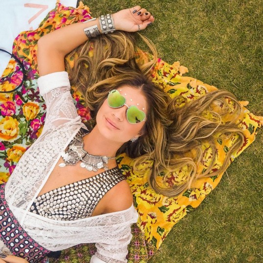 EGO - Thássia Naves explica escolha de seus looks no Coachella ... 6ea67c2d3dd