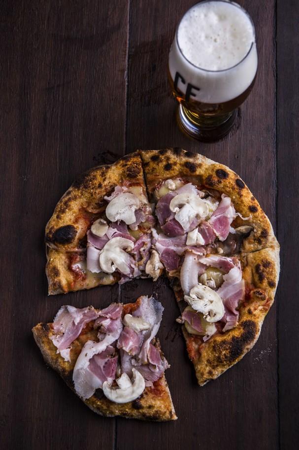 Pizza de pancetta com cogumelos (Foto: Divulgação)