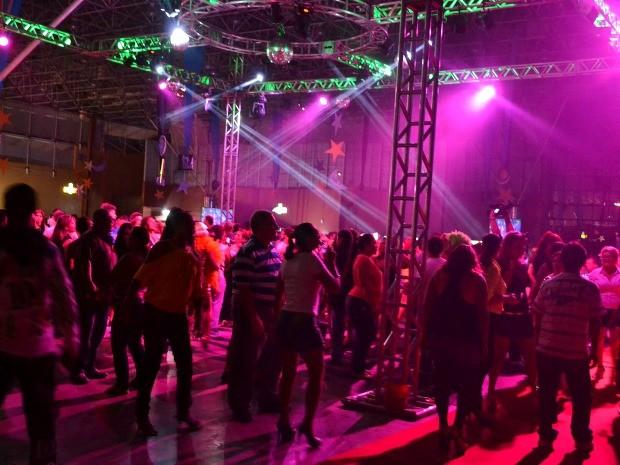 Primeira Studio Disco do ano relembrou sucessos dos anos 70, 80 e 90 (Foto: Clarissa Bacellar/Portal Amazônia)