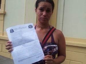 Graziela Ferreira de Sousa, filha da vítima, fez boletim de ocorrência sobre caso de Piracicaba (Foto: Thomaz Fernandes/G1)