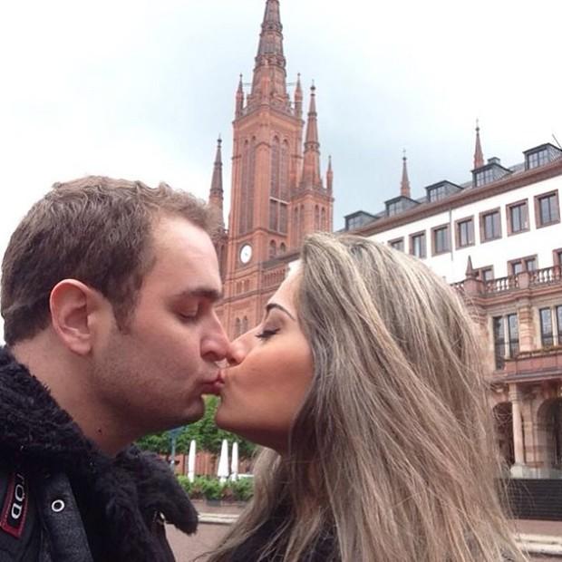 Mayra Cardi com o marido em luz de mel (Foto: Instagram / Reprodução)