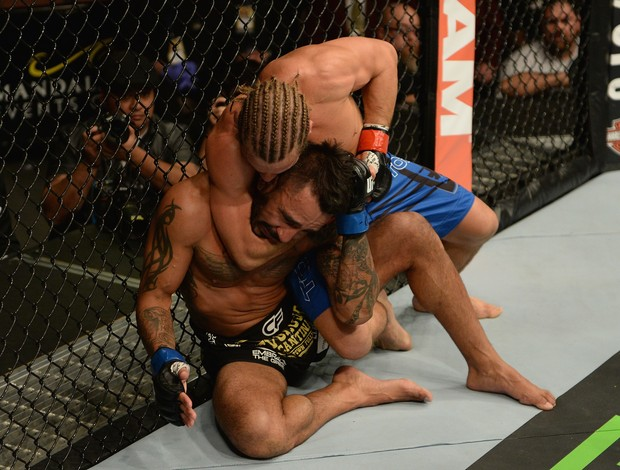 Urijah Faber x Francisco Rivera, UFC 181 (Foto: Getty Images)