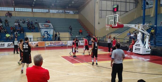 Liga Sorocabana x Basquete Cearense, amistoso de basquete (Foto: Emilio Botta)