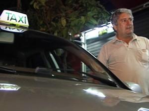 José Carlos da Costa foi assaltado no táxi (Foto: TV Integração/Reprodução)
