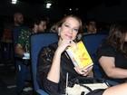 Luana Piovani e mais famosos vão a pré-estreia de filme no Rio