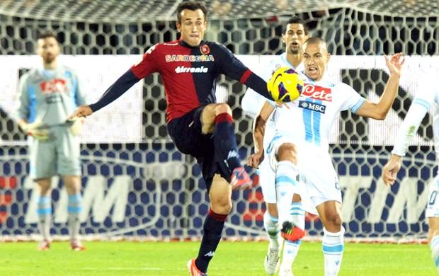 Thiago Ribeiro (E), Cagliari e Napoli (Foto: Getty Images)
