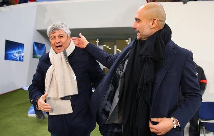 Lucescu, do Shakhtar e Guardiola, do Bayern se abraçam depois da partida  (Foto: Reprodução/ Facebook)