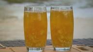 Prato Fácil: Kassab ensina suco com água de coco, chá mate, gengibre e abacaxi