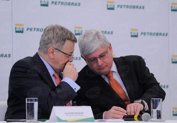 Ademir Bendine e Rodrigo Janot em evento de devolução de dinheiro de propina à Petrobras (Foto: Tânia Rêgo/Agência Brasil)