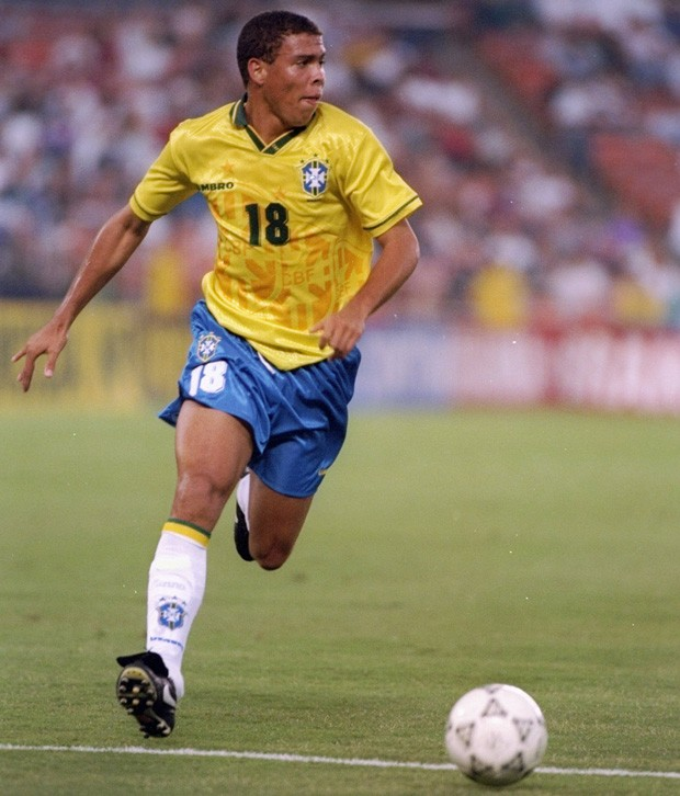 Em 1994, Ronaldo participou da conquista do tetra (Foto: Al Bello/Getty Images)