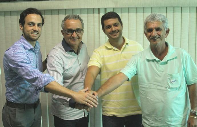 Representantes dos clubes, presidente da FES e o secretário de Esportes (Foto: Divulgação/Sesport)