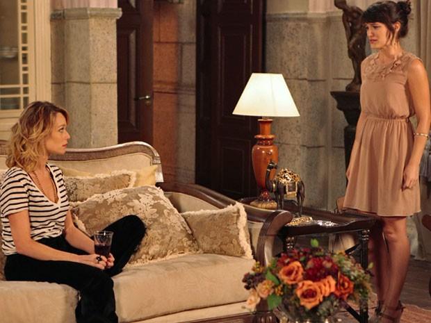 Carolina chora e pede para morar na mansão (Foto: Guerra dos Sexos / TV Globo)