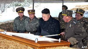 Escalada de tensão pode ser interpretada como reafirmação do poder do regime de Kim Jong-un (Foto: AFP)