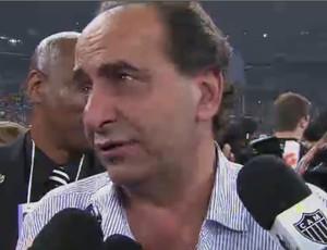 Alexandre Kalil emocionado com título do Atlético (Foto: Reprodução SporTV)
