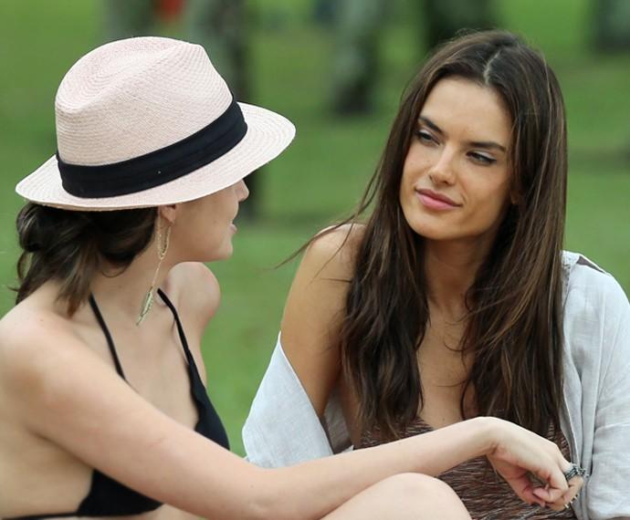 Samia conversa sobre casamento com Giovanna (Foto: Isabella Pinheiro/ Gshow)