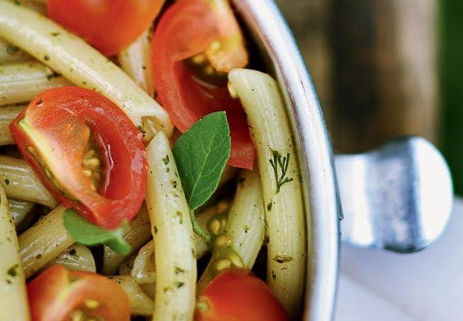 Salada de penne ao pesto (Foto: Casa e Comida)