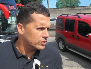 Claudinei Oliveira, treinador do Santos (Foto: Fernando Prandi)