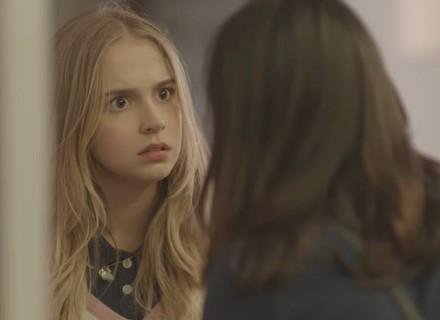 Lica oferece ajuda a Clara