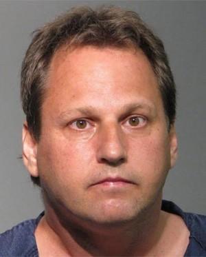 Russell Dasaro foi flagrado correndo nu pelos vizinhos, a disse que estava apenas fazendo 'turismo' (Foto: Divulgação/Seminole County Jail)