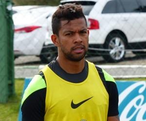 Wallysson foi afastado do Coritiba e estava treinando em separado (Foto: Ana Helena Goebel)