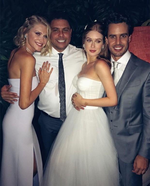 Celina, Ronaldo e os noivos (Foto: Reprodução/Instagram)