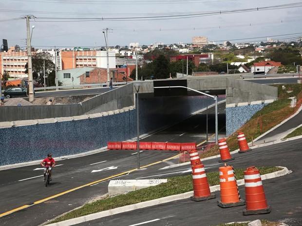Trincheira da Rua Guabirotuba fará binário com a Rua Chile (Foto: Jaelson Lucas/ Divulgação SMCS)