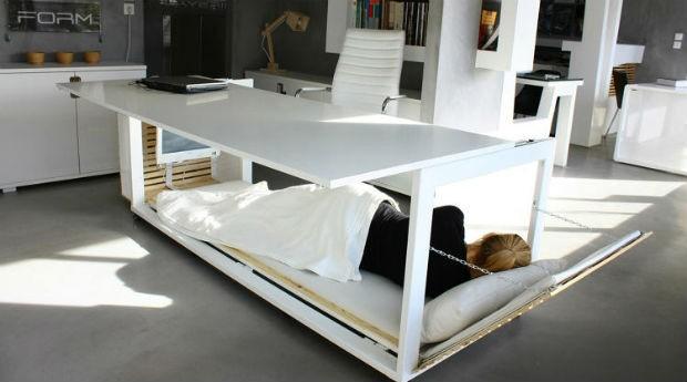 Mesa que vira cama (Foto: Divulgação)