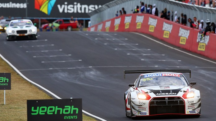 Equipe de pilotos da Nissan com dois vencedores do GT Academy vence a Bathurst 12 Hour (Foto: Divulgação)