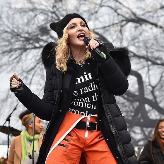 Madonna já declarou que não quis incitar a violência e que tudo não passou de uma metáfora (Foto: Reprodução)