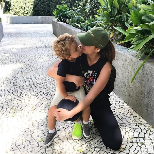 Lu Tranchesi e Antonio. Os posts do pequeno vêm com a hashtag #antoniotps (Foto: Reprodução Instagram)