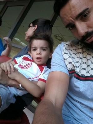 Gastón e o filho Bruno (Foto: Acervo pessoal)