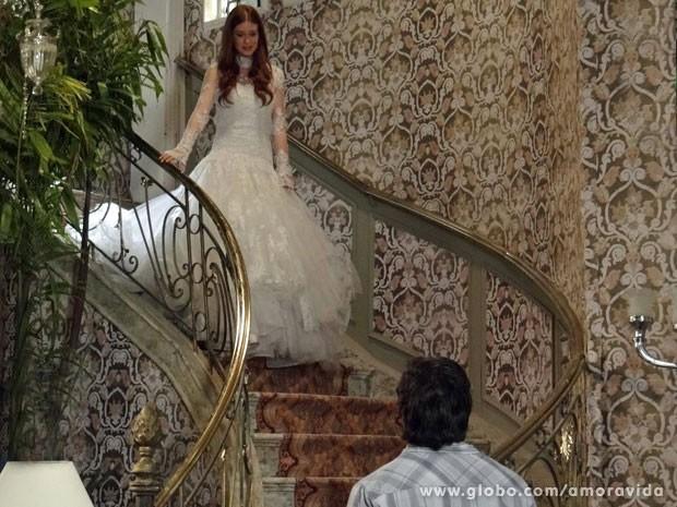 Thales está ficando transtornado com Nicole (Foto: Amor à Vida/TV Globo)