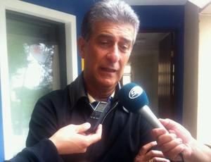 Ricardo Drubscky, técnico do Atlético-PR, concede entrevista (Foto: Fernando Freire/GLOBOESPORTE.COM)