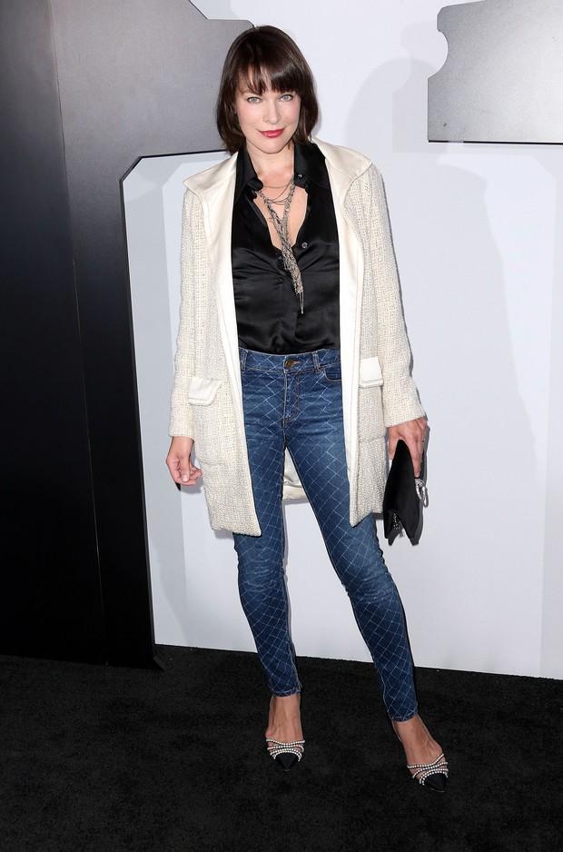 Milla Jovovich em evento em Los Angeles, nos Estados Unidos (Foto: Frederick M. Brown/ Getty Images/ AFP)