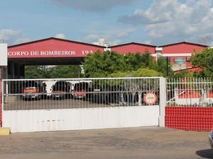 Sertão de Pernambuco tem uma média de 9 bombeiros para cada cidade. (Foto: Carol Souza / G1)