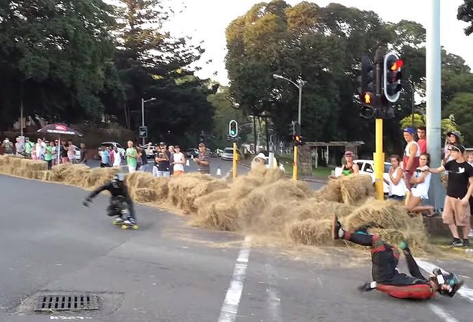 Disputa de skate estilo downhill na África do Sul é marcada por acidentes violentos (Foto: Reprodução / YouTube)