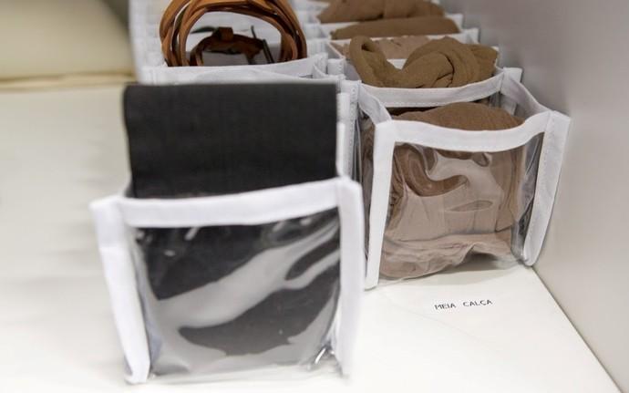 Galeria Gabriela Corrêa organizadora de ambientes e de como dobrar roupas Mistura com Rodaika closet cozinha banheiro joias quarto calcinhas meias cuecas (Foto: Thiago Pitrez/Divulgação)