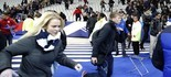 Vídeo: correria no estádio após término do jogo (Christophe Ena/AP)