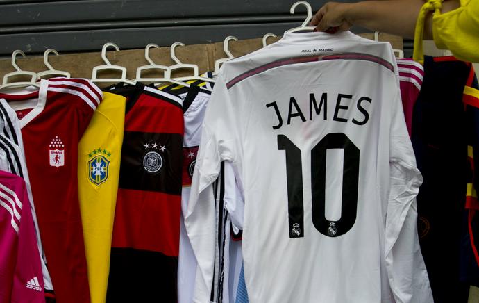 James Rodríguez camisa Real Madrid (Foto: AFP)