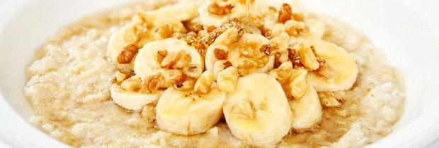 Aveia e banana estão entre os alimentos que são fontes de triptofano (Foto: Think Stock)