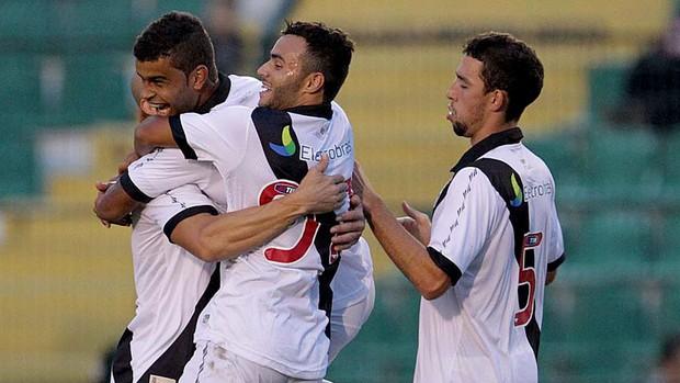 alisson thiaguinho vasco Figueirense amistoso (Foto: Marcelo Sadio / Vasco.com.br)