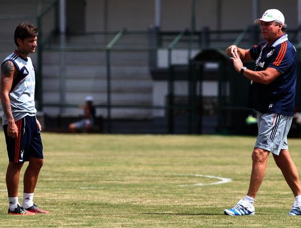 Abel braga e Rafael Sobis fluminense treino (Foto: Nelson Perez / Fluminense F.C.)
